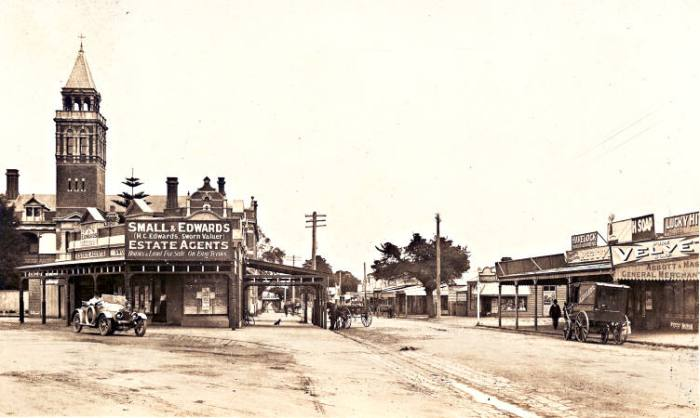 The view of Mentone Parade from Como Pde West c1920s